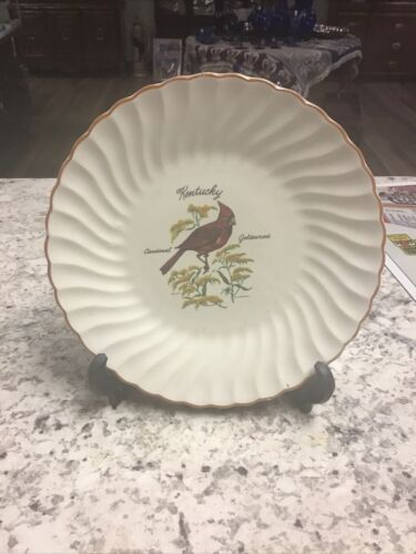 CARDINAL PLATE - WOW, TRUE BEAUTY JUST IN TIME FOR CHRISTMAS - $1.00