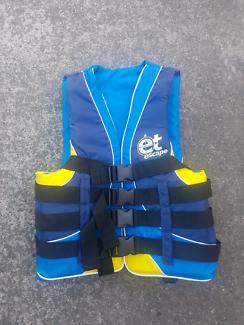 ET escape adult S-M life jacket PFD x 2