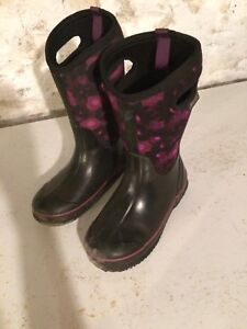 Girls size 4 Boggs
