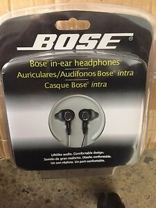 Bose in ear Headphones Ear Buds New