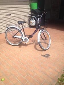 Broadwalk crusier bike Upper Coomera Gold Coast North Preview