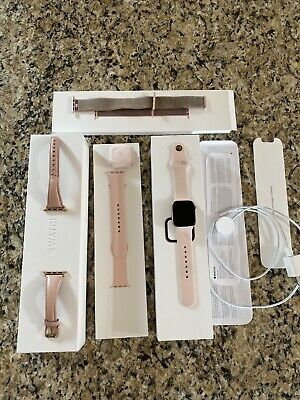 Apple Watch Series 4 40 mm Gold Aluminum Case with Multiple Bands (GPS)