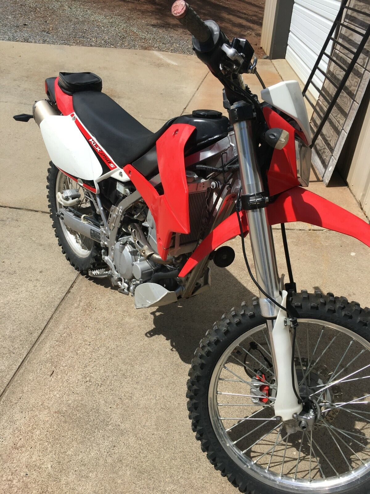 Picture of A 2009 Kawasaki KLX250S 250
