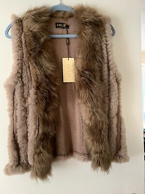 Jayley Faux Fur Gilet In Mocha