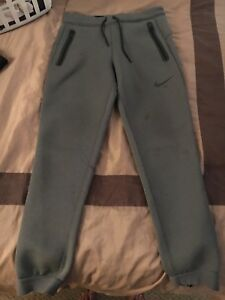 Nike Therma-fit jogging pants size medium