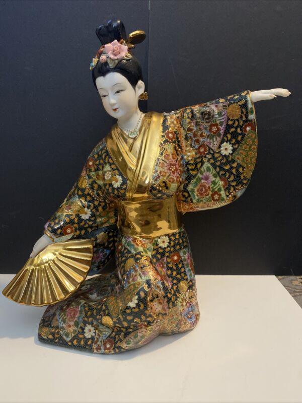 VINTAGE GEISHA PORCELAIN BISQUE STATUE JAPANISE GEISHA GIRL IN KIMONO