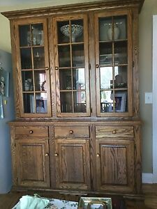 Solid Oak Amish made dining table & hutch