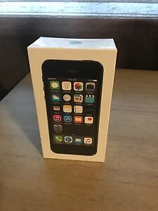 iPhone 5S (16 GB) Black -Brand New In Box (BNIB) ROGERS Oakville / Halton Region Toronto (GTA) image 1