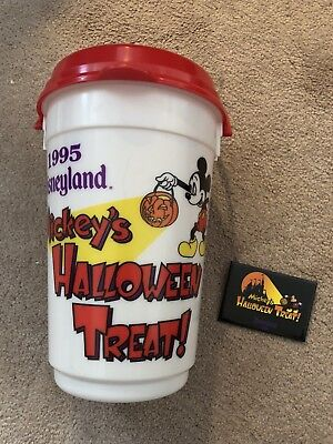 DISNEYLAND MICKEYS HALLOWEEN TREAT! 1995 POPCORN BUCKET AND BUTTON SET - Halloween Popcorn Treats