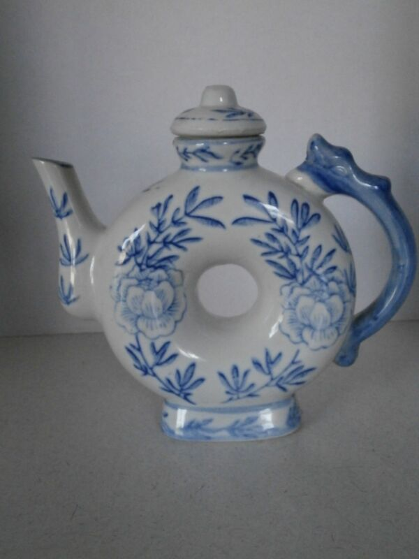 VINTAGE TEA POT BLUE AND WHITE POTTERY FROM CHINA RARE