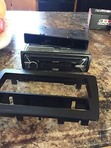 Sony stereo deck and mounting hardware