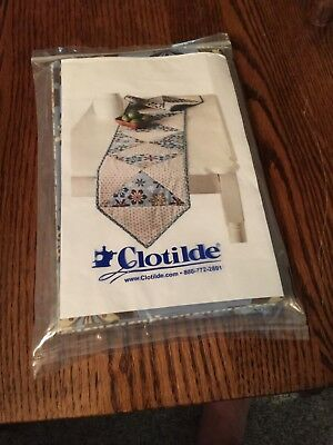 Clotilde Hourglass Table Runner Kit ](Hourglass Kit)