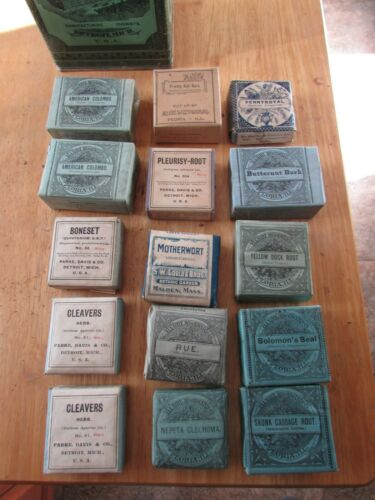 Lot of 15 Antique 1900's Apothecary Packets w/PARKE DAVIS Botanical PINKROOT Tin