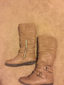 Tan boots size 6