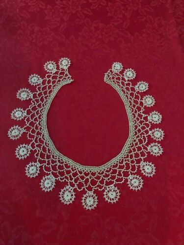 VINTAGE TATTED COLLAR, DRESS FRONT