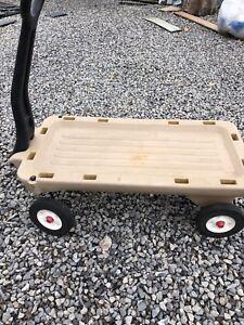 Radio Flyer wagon in excellent condition