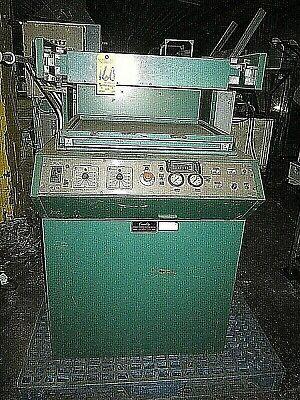 Quality Vacuum Forming Machine  La