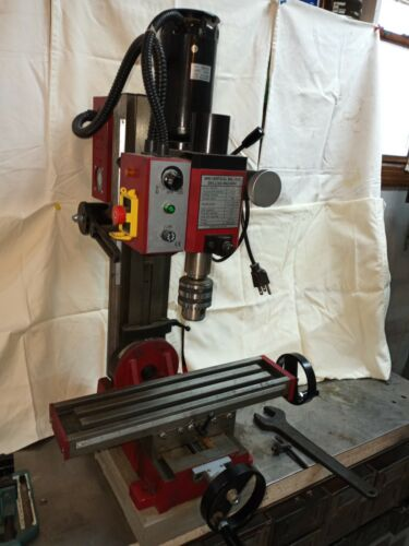CENTRAL MACHINERY 2 Speed Benchtop Mill/Drill Machine