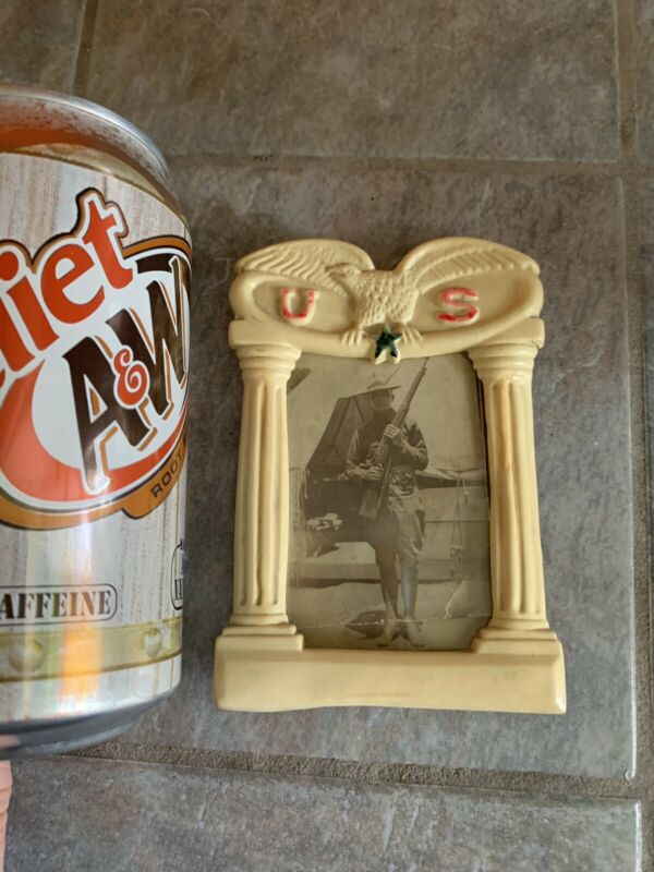 Small Vintage US Military PICTURE FRAME Molded PLASTIC ?     With Glass