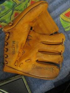 *Vintage* Kids Diamond Master Baseball Mitt Campbell North Canberra Preview