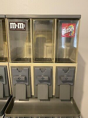 Vendstar 3000 Vending Machine With Locks And Keys - Set Of 10 Candy Machines.