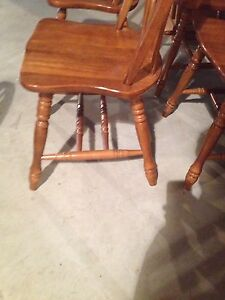 Set of 4 oak chairs kitchen table chairs Stratford Kitchener Area image 2