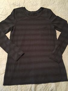 Lululemon long sleeve top - size 6 - perfect condition