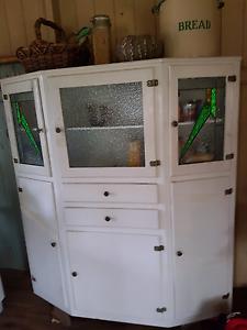 Antique Leadlight Kitchen Dresser Apple Tree Creek Bundaberg Surrounds Preview