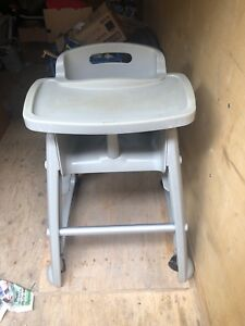 Rubbermaid highchair
