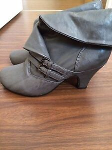 Size 6 Lady's Boots