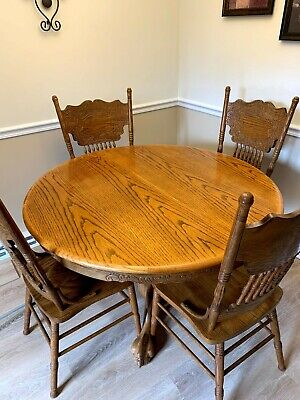 kitchen /dining table set, vintage style oak, 6 chairs and leaf.