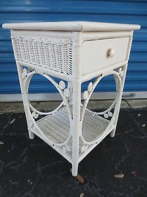 whitish Peacock Wicker Nightstand Shabby Chic Cottage Bed Table Victorian STY