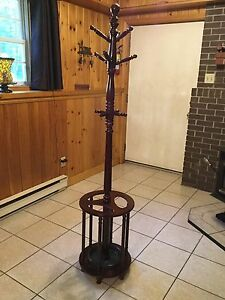Coat tree and umbrella stand