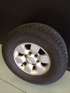 Sr5 toyota hilux wheels and tyres  Arundel Gold Coast City Preview