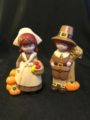 Vintage Hand Painted Ceramic Man and Woman Pilgrim Figures
