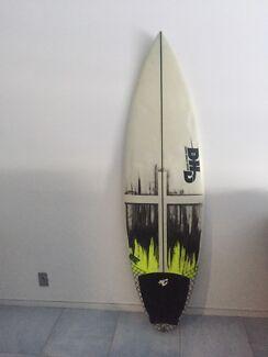 5'9  DHD 'ducks nuts' surfboard