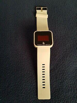 Uhren : Damen-bekleidung Weiß (LED Armbanduhr Damen, weiß, jetzt im Sommer einfach schön)