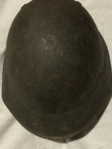 Spanish ww2 Army Helmet - M18