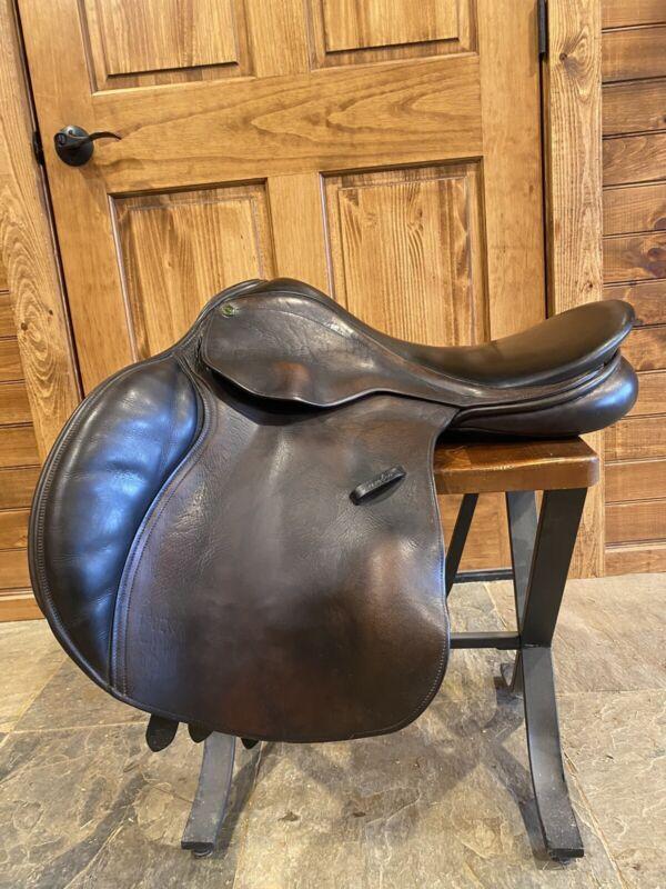 County Counquest 17.5 Medium Saddle Buffalo