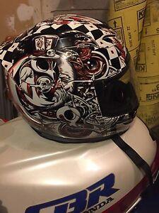 Motorcycle helmet like new   S-large