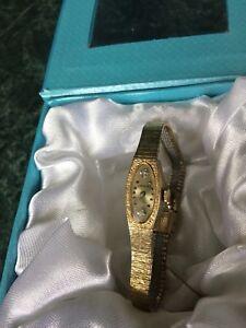 Beautiful Wittnauer Ladies Gold Watch