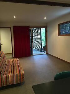 Bedsit / studio Chapel Hill Brisbane North West Preview