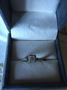 White Gold Engagement Ring Cambridge Kitchener Area image 1