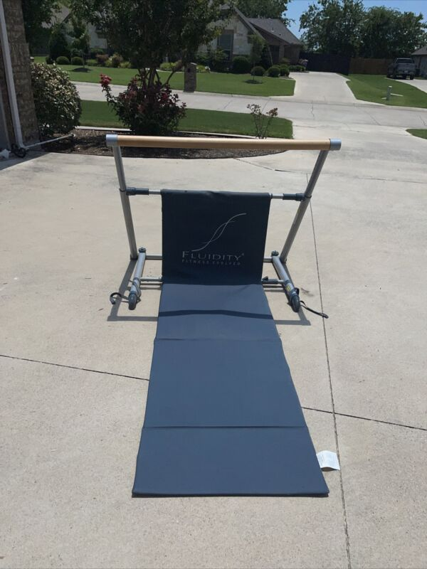 FLUIDITY BAR FITNESS EVOLVED EXERCISE BARRE PILATES MAchine
