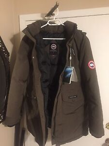 Canada goose knock off , brand new never worn XL