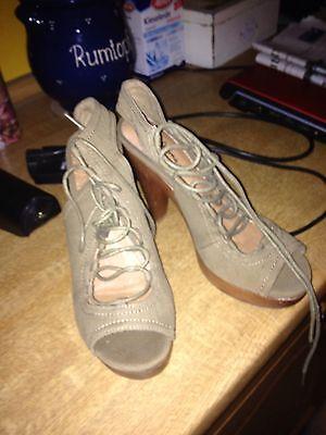 NEU!!!!Pepe Jeans London - Damen Sandalette Coast  Plateau Gr.36 Oliv Textil gebraucht kaufen  Barenthin