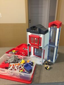 Play mobile fire station
