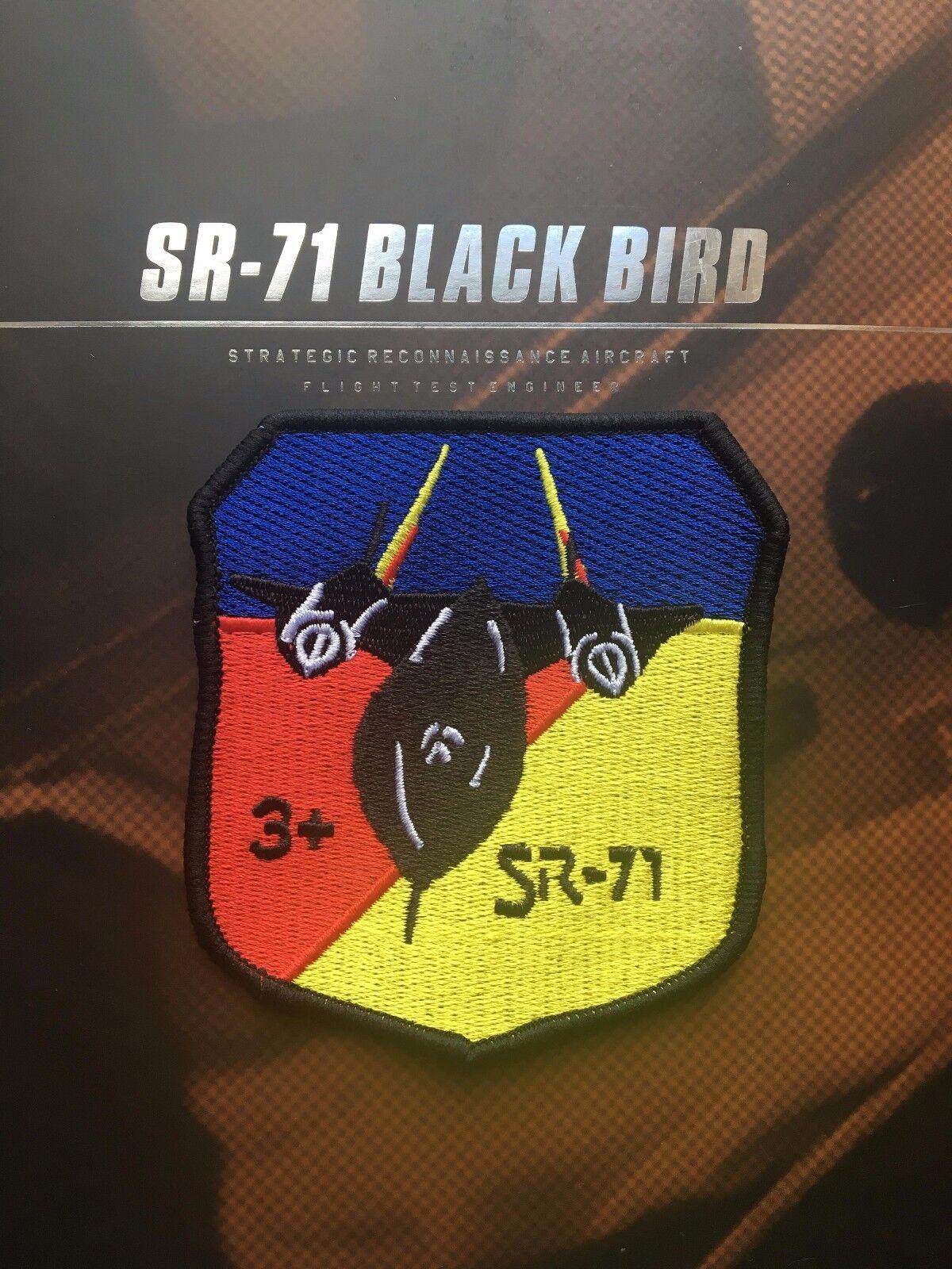 DAMTOYS SR-71 Black Bird Flight Test Engineer Food Tube x2 loose 1//6th scale