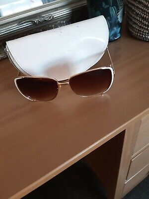 Jessica Simpson white and gold sunglasses women with case- model J555