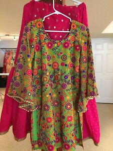 Floral green with Fuchsia Flowy Garara